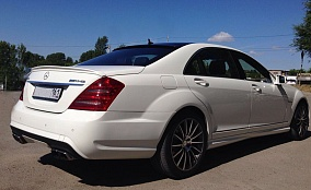 Фото Mersedes W221 S500